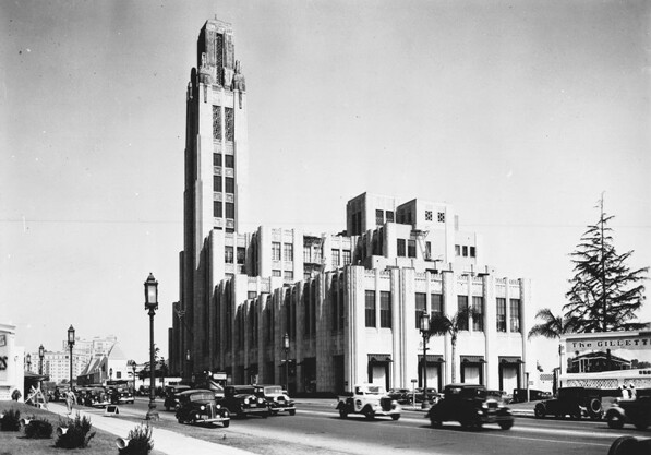 Circa 1936 view of the Bullocks Wilshire department store. Photo by Richard Stagg, courtesy of the Title Insurance and Trust / C.C. Pierce Photography Collection, USC Libraries.