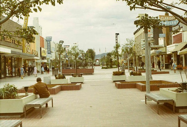 Charles Luckman's 1965 design for the Santa Monica Mall featured reflecting pools, benches, and planters where a vehicular roadway once ran. Courtesy of the Santa Monica Public Library Image Archives.