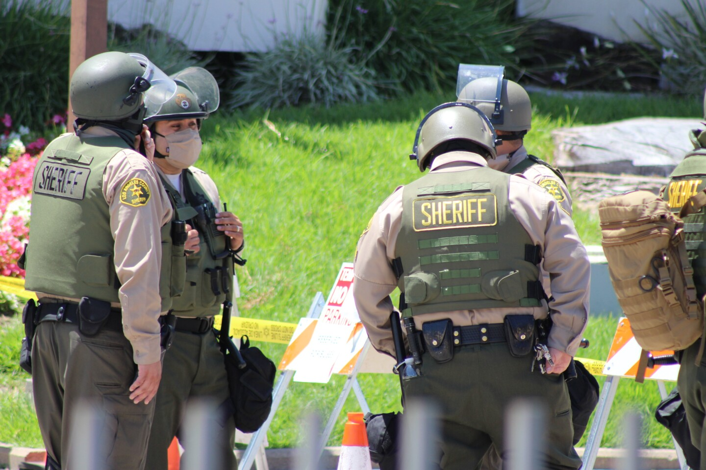 Kern County Sheriff's deputies at George Floyd protest | Karen Foshay