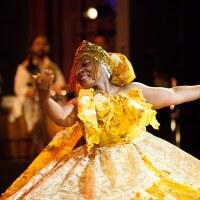 A Viver Brasil dancer in resplendent yellow dress | Courtesy of Viver Brasil