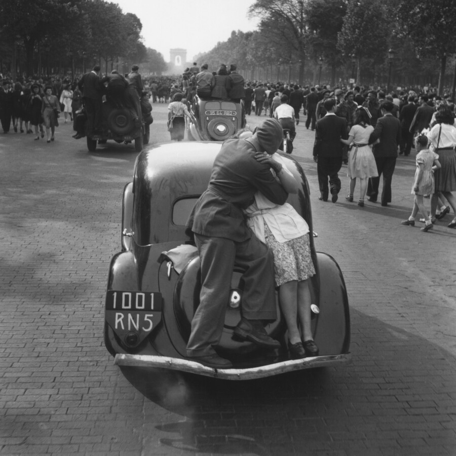 """Roger Schall, """"the kiss of liberation from Paris"""" May 8th 1945 