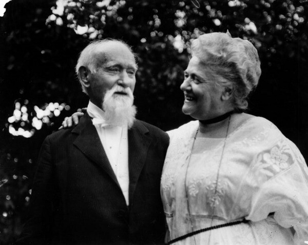 Cornelius Cole, seen here in the early 1920s with his daughter, lived to the age of 102. When he died in 1924, Hollywood had already absorbed his town of Colegrove. Courtesy of the Photo Collection - Los Angeles Public Library.