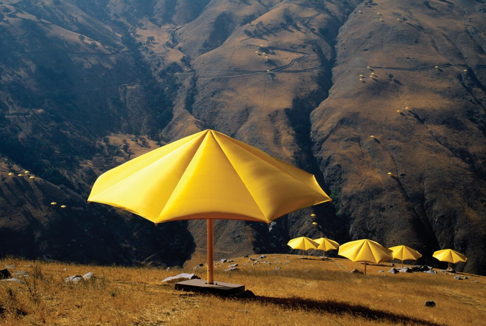 Christo and Jeanne-Claude  The Umbrellas, Japan-USA, 1984-91 2
