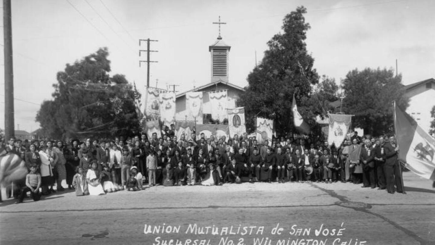 The Union Mutualista de San Jose members of the Mexican Catholic Church celebrated its 15th anniversary.