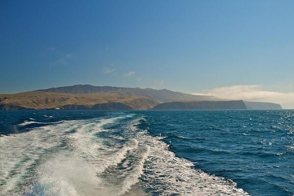 channel-Islands-boat-wake-041613