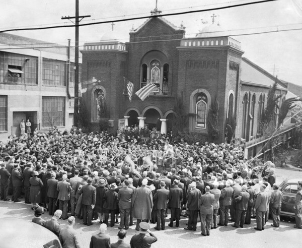 Celebrating Greek independence day in front of the Greek Orthodox Church of the Annunciation (now St. Sophia) in Los Angeles, 1946 | Courtesy of the Los Angeles Public Library
