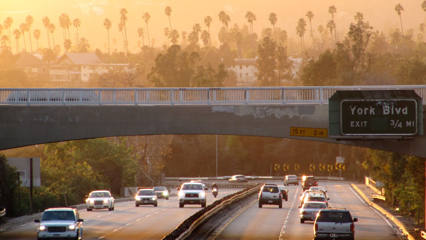 Sunset over Arroyo Seco Parkway at York Boulevard. | Waltarrrr/Creative Commons