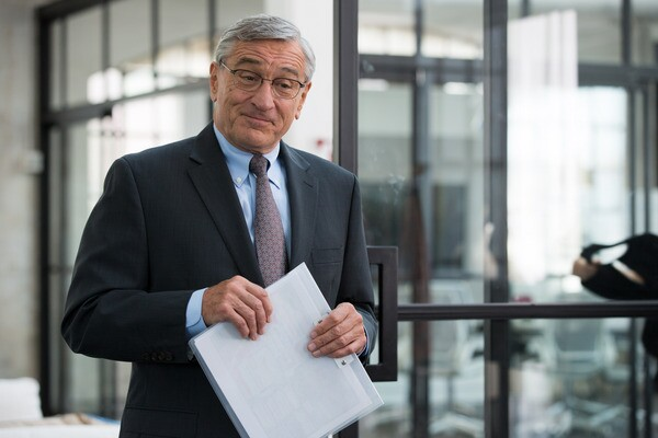 "Robert De Niro as Ben Whittaker in Warner Bros. Pictures' ""THE INTERN."" Photo Credit: Francois Duhamel"