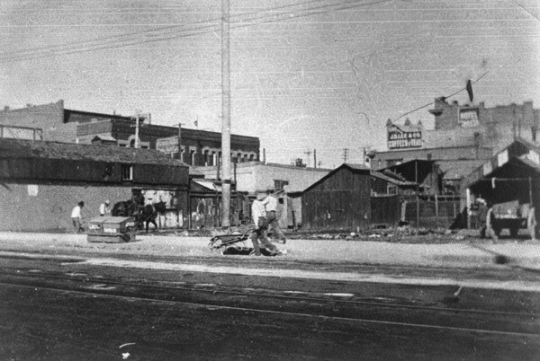 Alameda Street north of Aliso Street, 1898 | Courtesy of the Los Angeles Public Library
