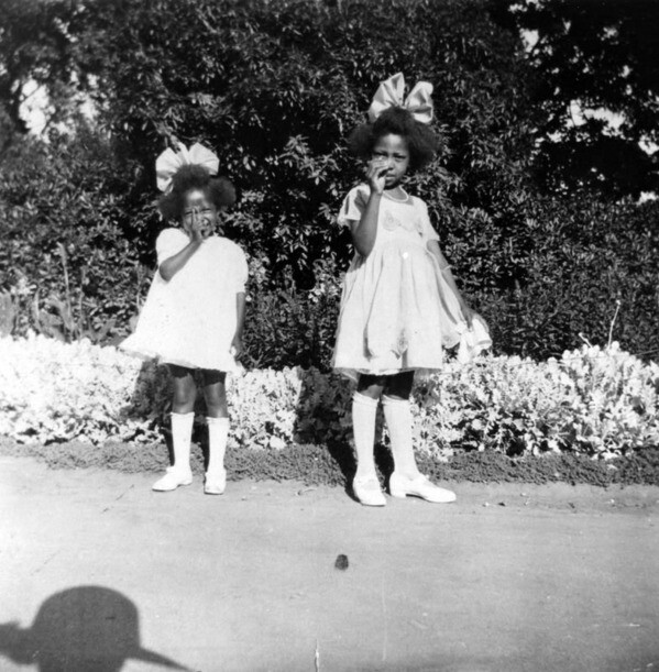 Carolyn and Dorothy McNeal at South Park in 1923. Courtesy of the Shades of L.A. Collection - Los Angeles Public Library.