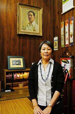 Irene Tsukada-Simonian in front of Tokio Ueyama's self portrait