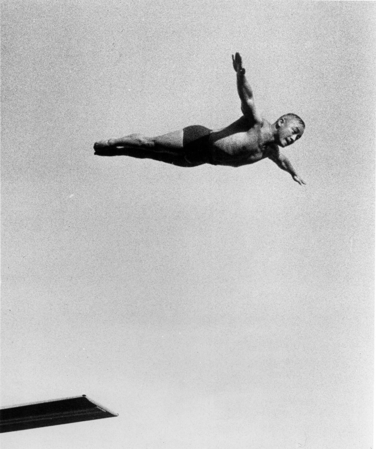 Sammy Lee diving