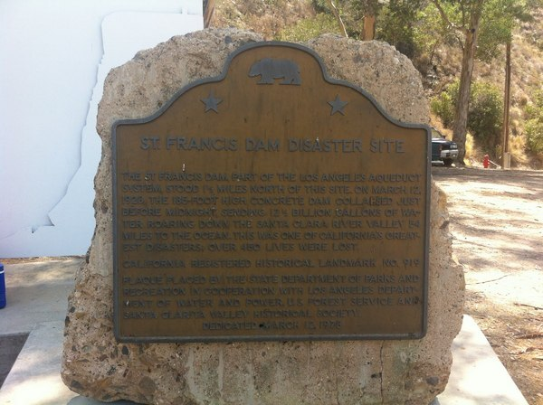 A plaque marks the historical site of Power Plant #2, near the St. Francis Dam | Photo: Hadley Meares