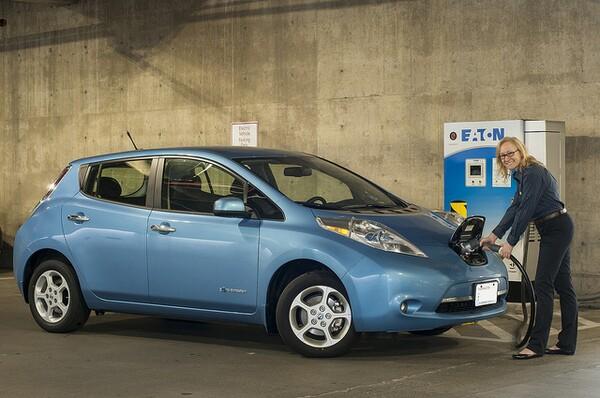 car-charging-stations-6-19-14-thumb-600x398-75830