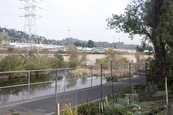 Metrolink's Taylor Yard is adjacent to the Los Angeles River | Photo by Carren Jao