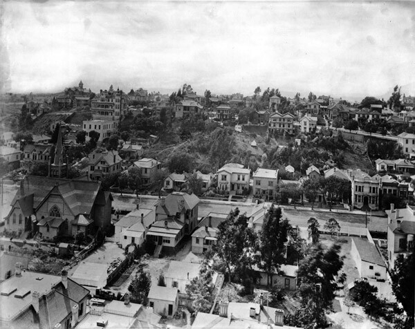 Circa 1890s panoramic view of Bunker Hill. Hill Street runs from left to right in the center of the photograph. Courtesy of the Title Insurance and Trust / C.C. Pierce Photography Collection, USC Libraries.