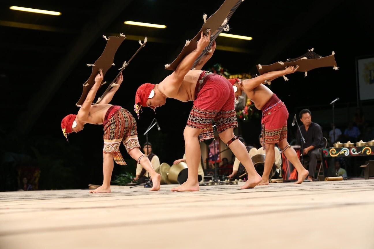 Kayamanan ng Lahi performs Lawin Lawin, a rite of passage dance that depicts the story of an eagle growing up | Jorge Vismara