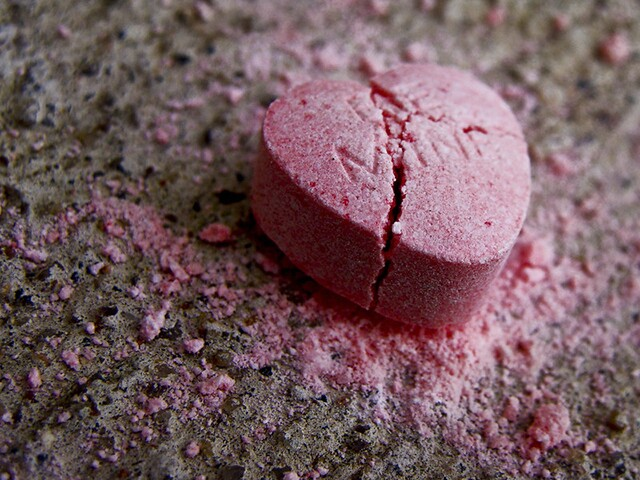 Broken Heart | bored-now, Flickr (CC BY-NC-ND 2.0)