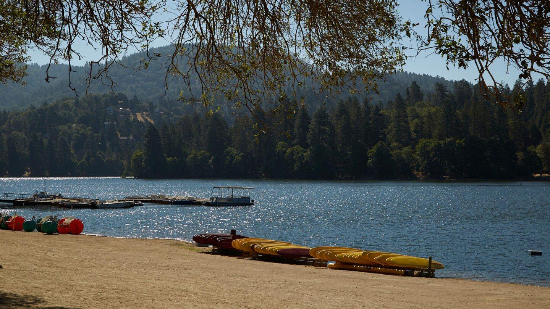 lake gregory beach