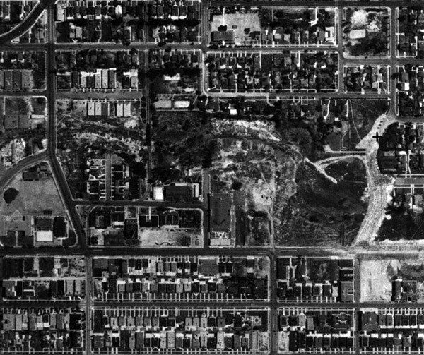 1929 aerial view of the Arroyo de la Sacatela at Third Street and Vermont Avenue.