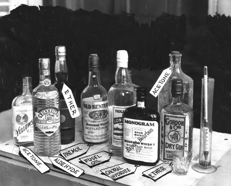 Christmas liquor with the bootleggers' labels | Herald Examiner Collection of the Los Angeles Public Library