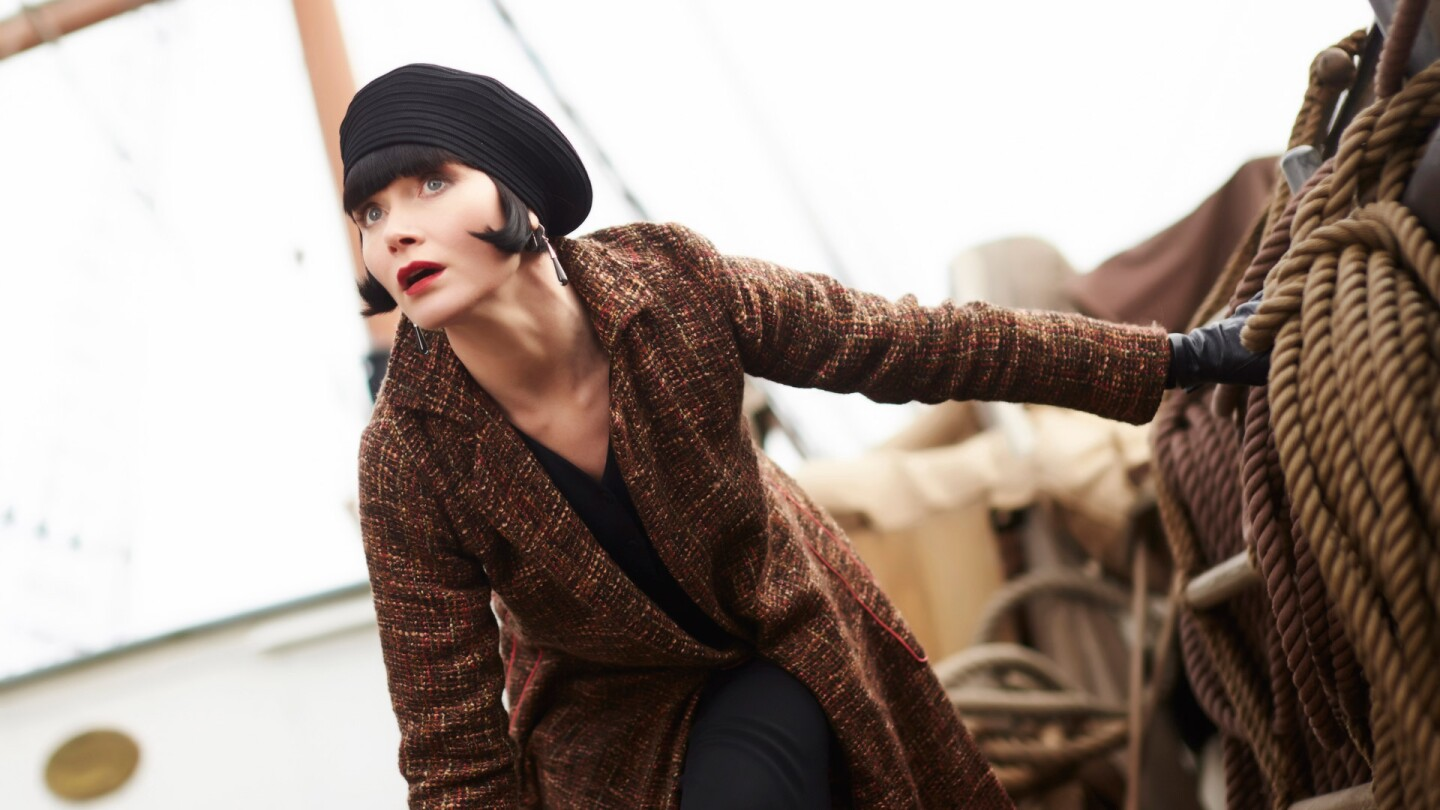 miss fisher action