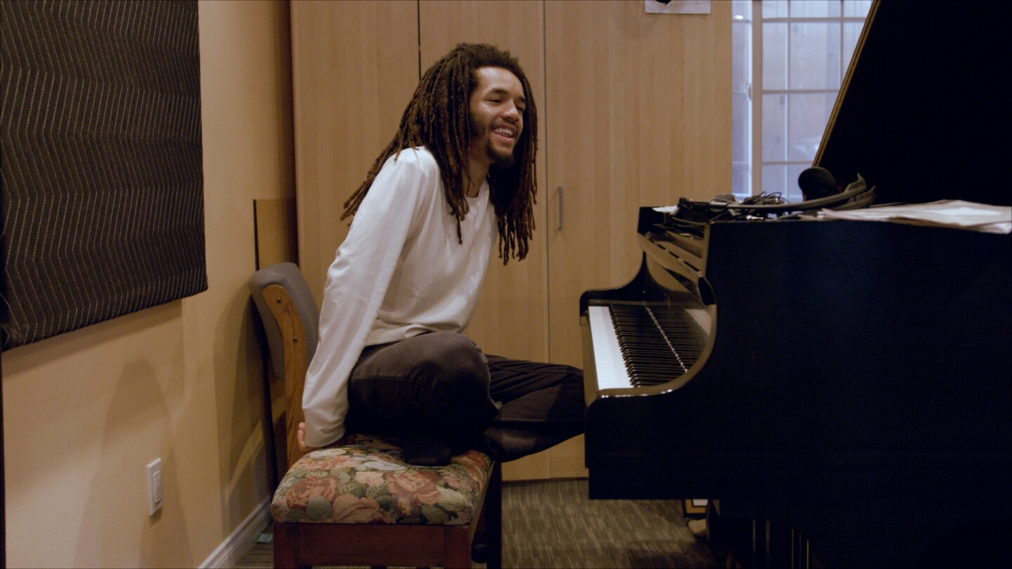 "Jamael Dean behind a piano | Still from ""The New West Coast Jazz"" ab s11"