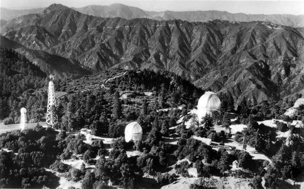 1944 aerial view of the Mount Wilson Observatory. Courtesy of the Frasher Foto Postcard Collection, Pomona Public Library.