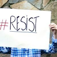 Resist | Istockphoto/ Asurobson