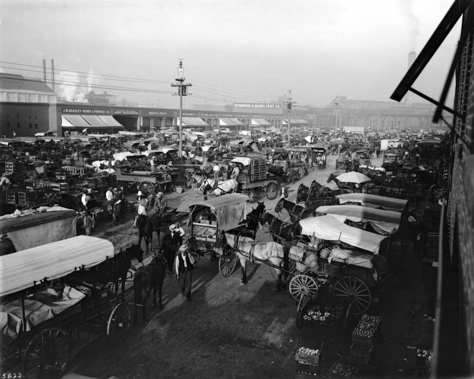 Horse-drawn wagons crowd the Central Market at Alameda and Sixth, circa 1905. Courtesy of the USC Libraries - California Historical Society Collection.
