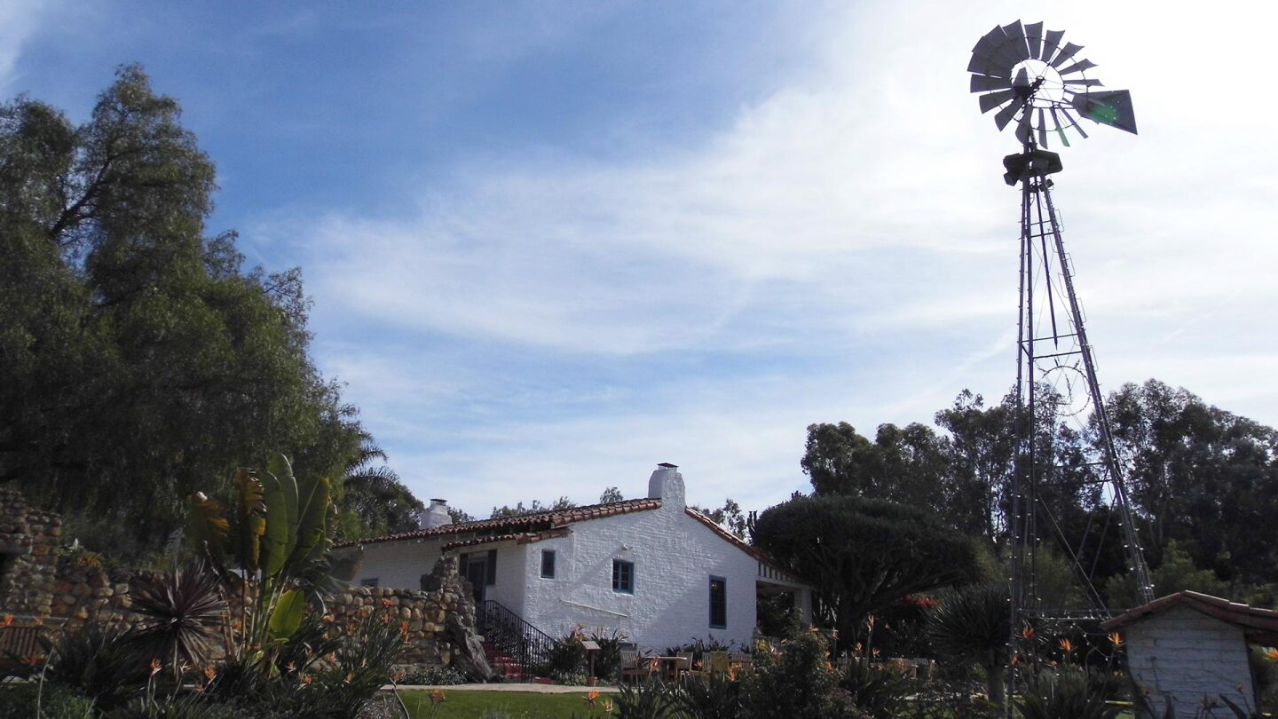 A outdoor shot of a building at the Leo Carrillo Ranch Historic Park.