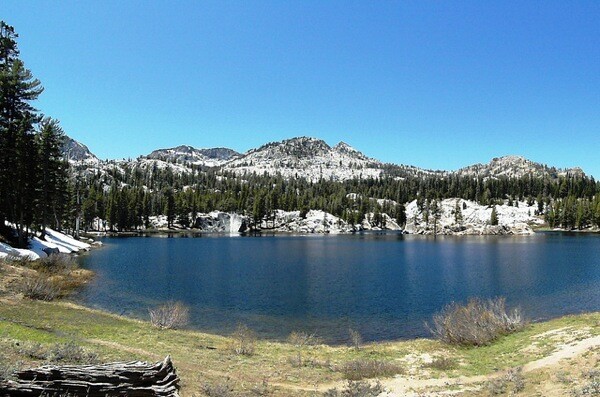 A lake on the eastern edge of Kaiser Wilderness.