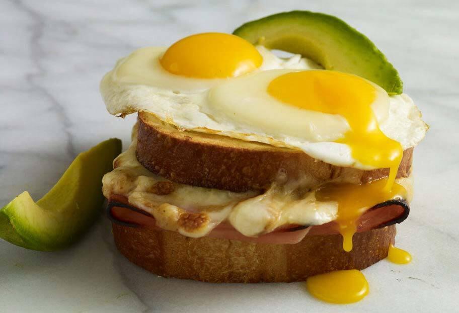 senor breakfast sandwich