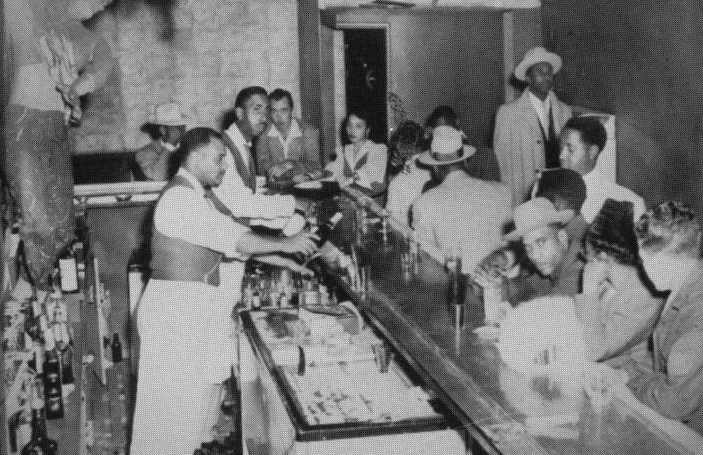 The bar at the Club Alabam, Los Angeles, ca. 1941-1945
