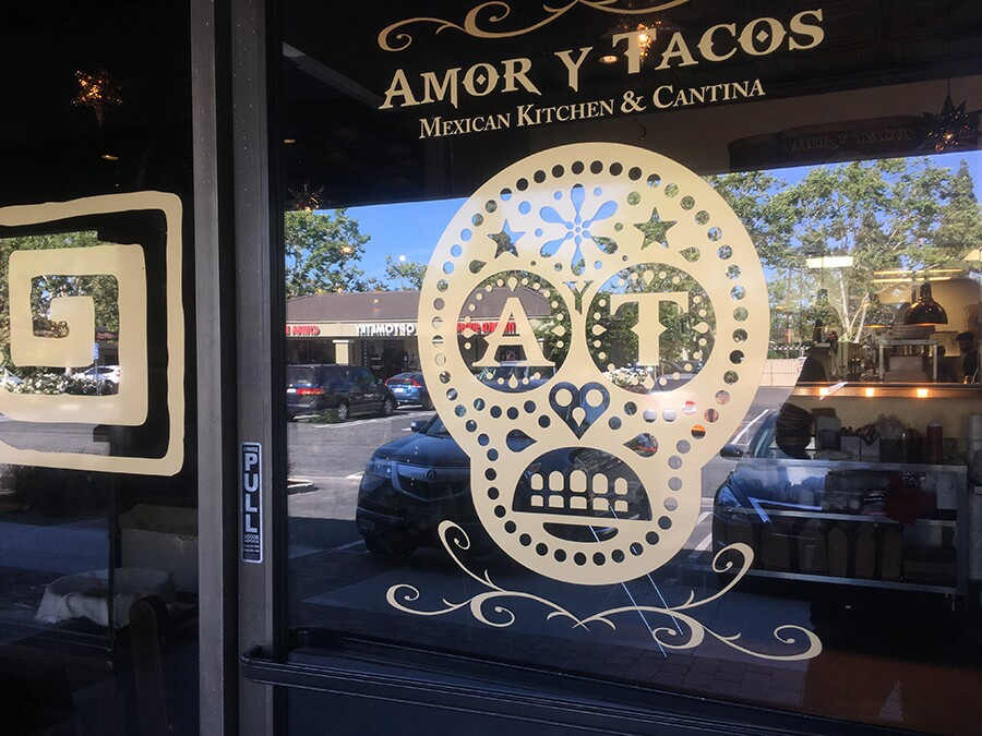 amor_y_tacos_window.jpg