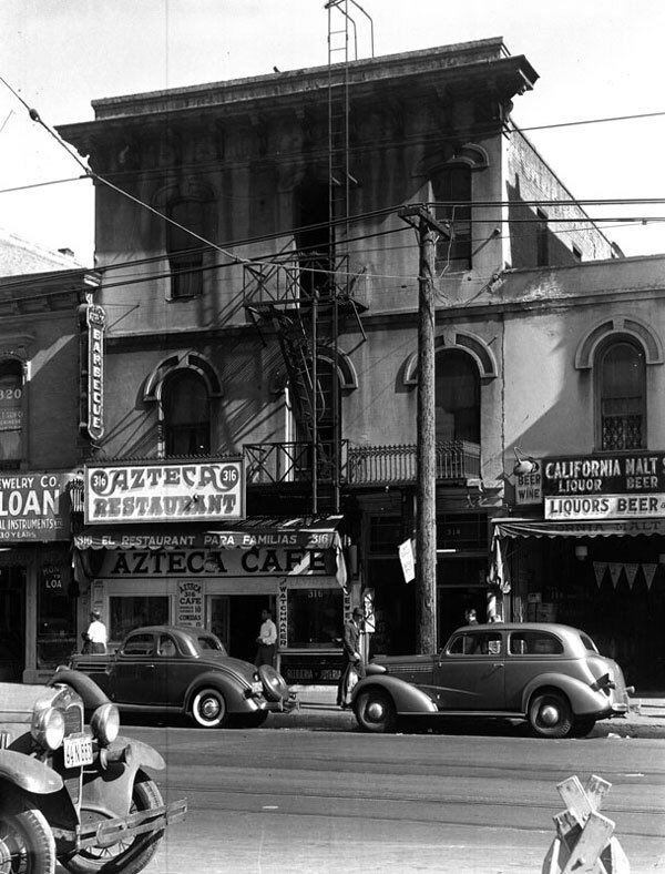 The St. Charles Hotel (formerly the Bella Union) in 1939, one year before it was torn down to make way for a parking lot. Courtesy of the Photo Collection, Los Angeles Public Library.
