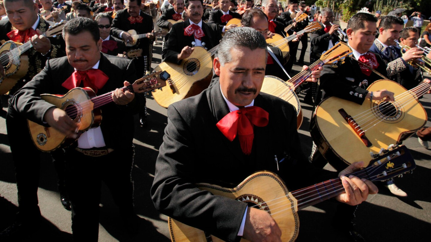 Mariachi procession for Saint Cecilia in Boyle Heights (featured)