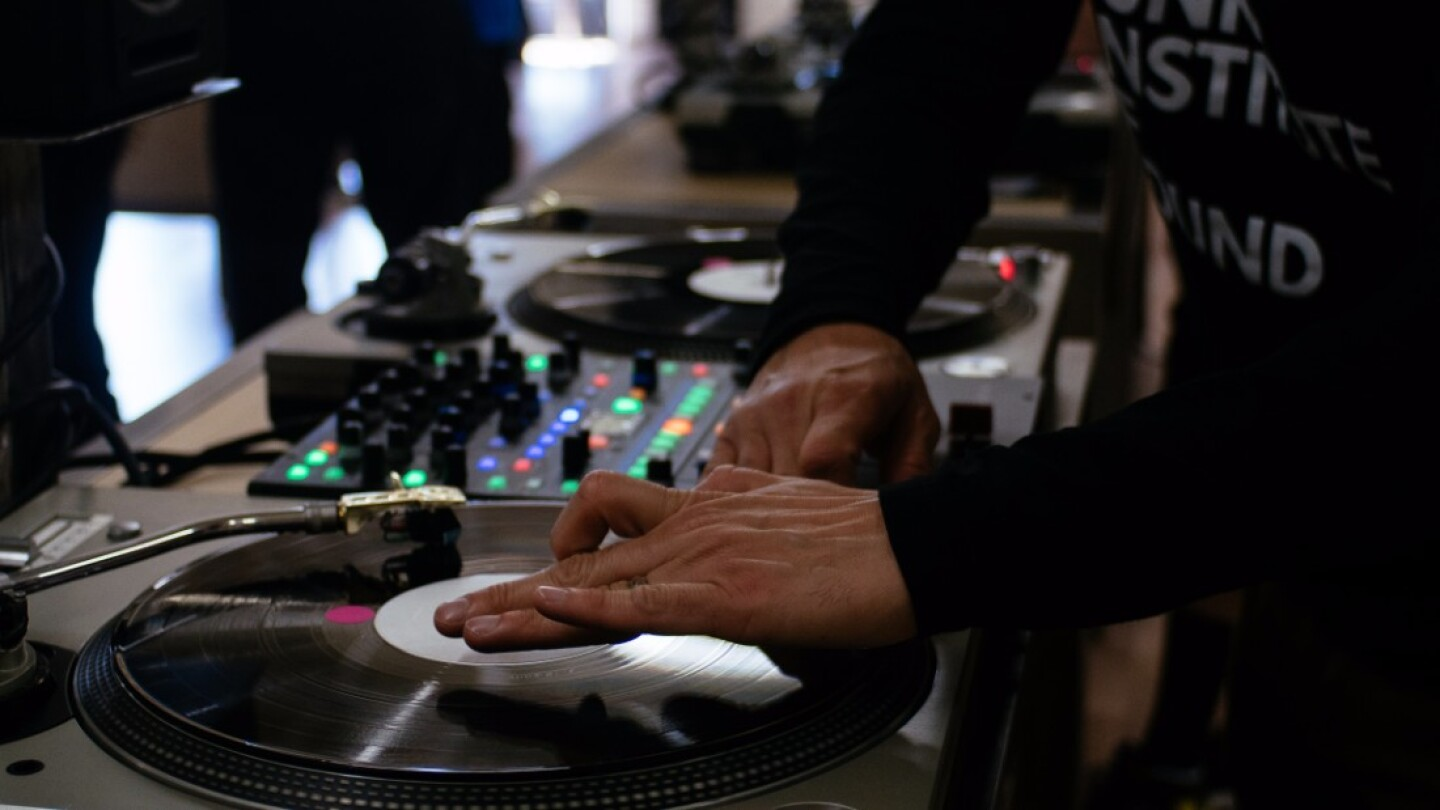 Learning to turntable at the Beat Junkies Institute of Sound | Kyle Scoble