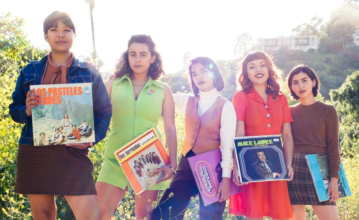 The Chulita Vinyl Club (Liz Rosales, Linda Tovar, Roseli Martinez, MaryAnn Aguirre and Karina Ramirez)   César Cervantes