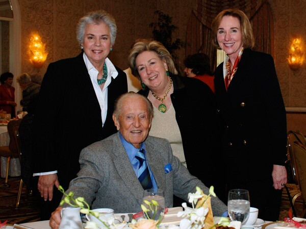 Television legend Art Linkletter was the special guest at a KCET Women's Council Star Luncheon event in 2007. | Photo: KCET Women's Council