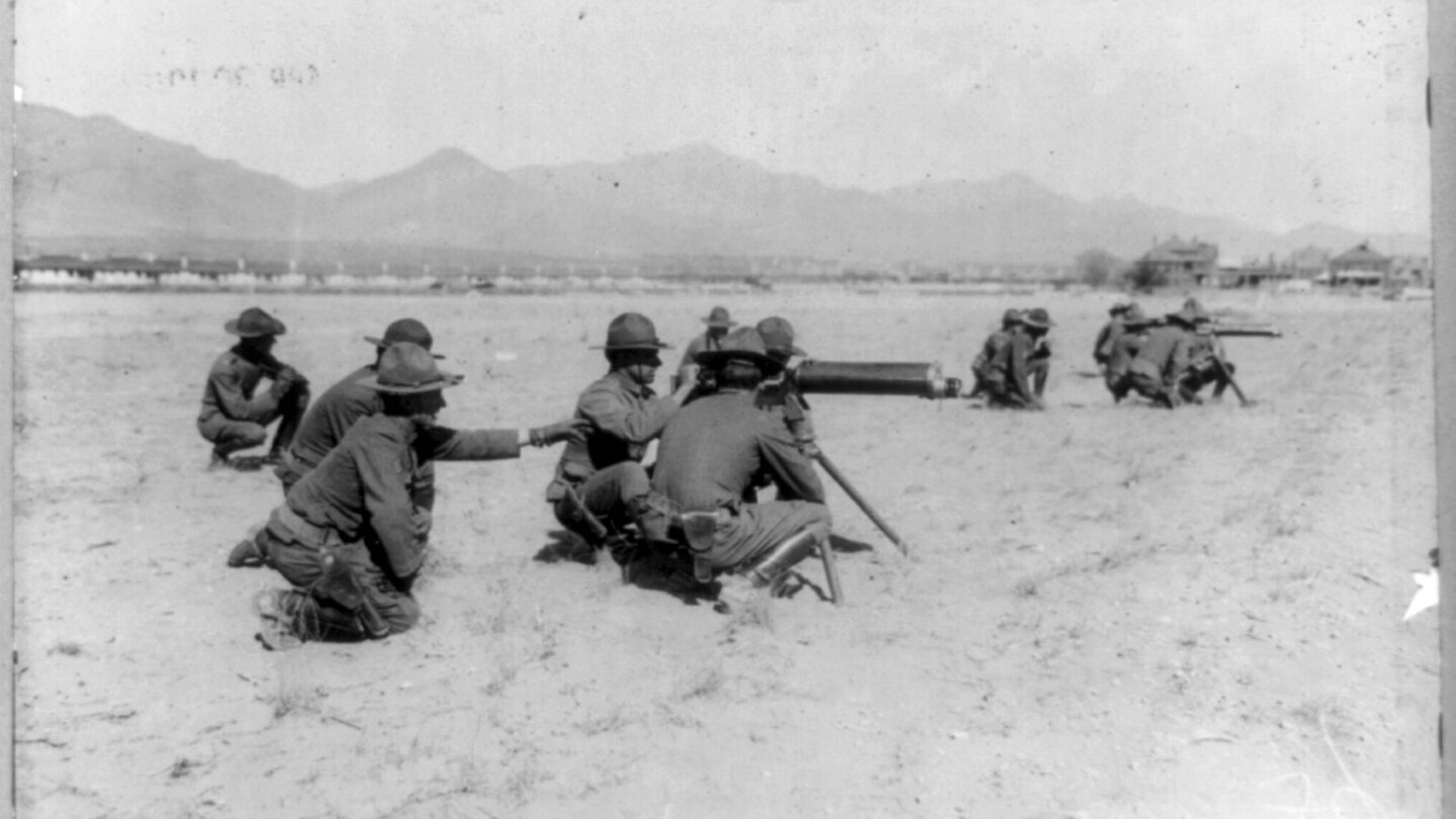 Eighth Machine Gun Cavalry in action on the Mexican border. | Library of Congress