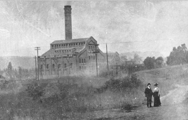 Edison Steam Plant No. 3, designed in 1903 by John Parkinson