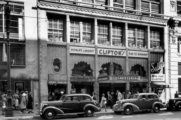 Clifton's Brookdale Cafeteria in 1935. Courtesy of the Dick Whittington Photography Collection, USC Libraries.