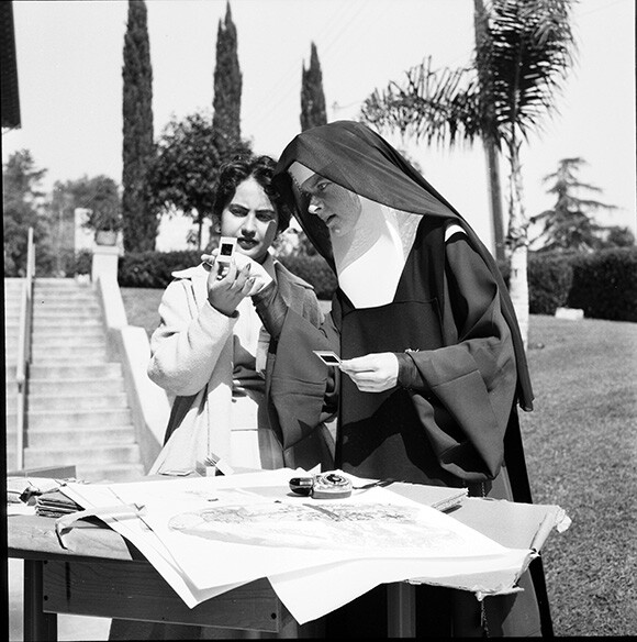 Corita with student, Immaculate Heart College, Los Angeles, c. 1955. | Courtesy of the Corita Art Center, Los Angeles.