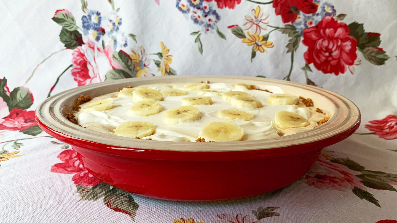 Side view of banana and cajeta cream pie. | VIctoria Gonzalez