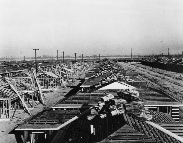 New homes under construction in Lakewood, 1950 | Photo: Security Pacific National Bank Collection, Los Angeles Public Library