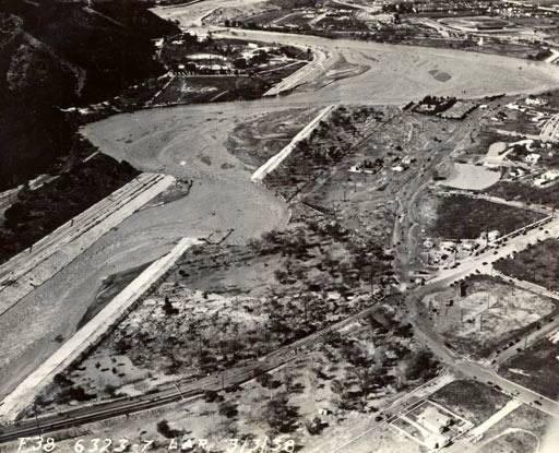 Aerial view above Victory Blvd, of the Los Angeles River during the flood of 1938