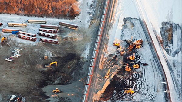 Cleanup at the 2013 derailment and spill near Casselton, ND |  Photo: Ann Arbor Miller/Greenpeace