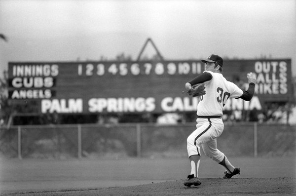 Angels hurler Nolan Ryan pitches from the Angels Stadium mound in Palm Springs, 1973. Courtesy of the Los Angeles Times Photographic Archive, Young Research Library, UCLA. Used under a Creative Commons license.