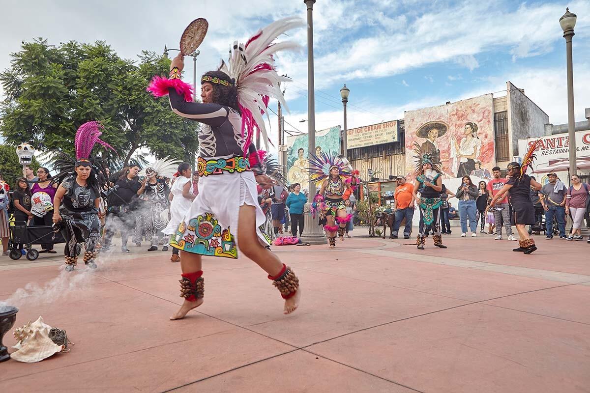 Aztec dancer during Día de los Muertos celebration in 2019  | Pablo Aguilar